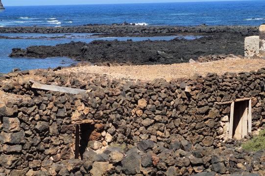 Wilder Strand auf Lanzarote