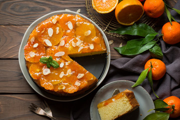 Cake with orange gelatin and almonds