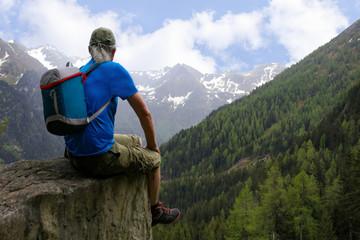 Hiking break on the way to Duisitzkar Lake, mountain panorama of Styria