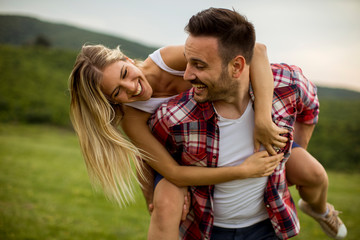 Obraz Happy couple having fun outdoor - fototapety do salonu