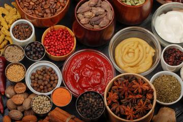 Photo sur Aluminium different spices background