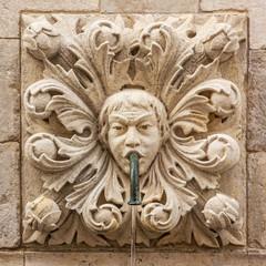 Papiers peints Fontaine Dubrovnik, Croatia. Sculptural face on Onofrio's fountain