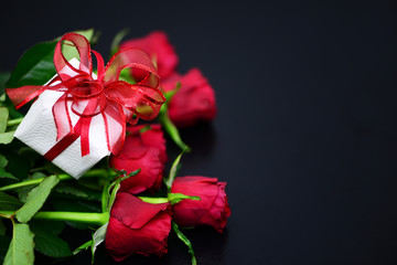 Rote Rosen, Geschenk