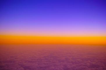 空撮。成層圏の夕焼け