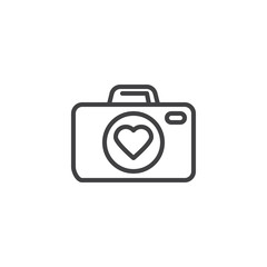 Photo camera with heart line icon. linear style sign for mobile concept and web design. Love story, photo camera outline vector icon. Symbol, logo illustration. Pixel perfect vector graphics