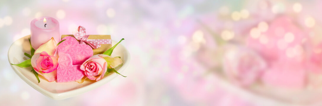 Decoration for Valentine's Day in front of pastel background