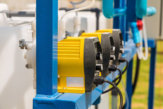 Electrical chemical feed pumps