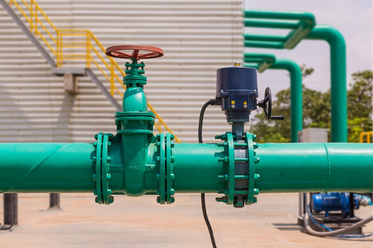 Water pipeline and valves