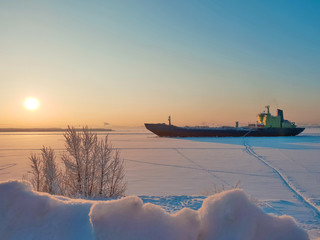Arkhangelsk. Sunny winter day on the Bank of the Northern Dvina. January.