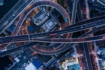 都市高速の美しい夜景