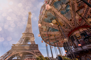 Fototapete - Carousel and Eiffel tower in Paris