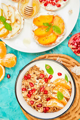 Smoothies bowl granola and Rice Crisp bread