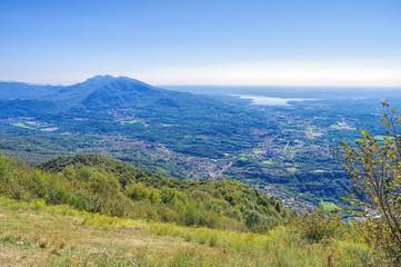 Lago di Varese und Alpen in Norditalien - Lago di Varese and Alps