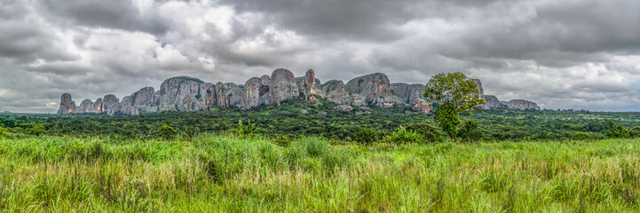Photo sur Aluminium Taupe Panoramic view at the mountains Pungo Andongo, Pedras Negras (black stones), Angola