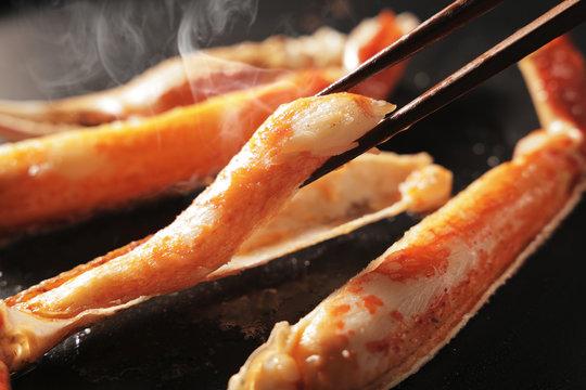 ズワイガニ Baked snow crab legs image