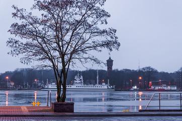 Fond de hotte en verre imprimé Port HARBOR WHARF - Landscape of Swinoujscie at the shores of the port channel