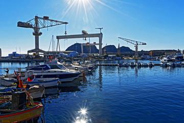 Fond de hotte en verre imprimé Port Chantier naval