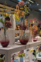 Regal-Dekoration in einem Blumenladen