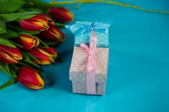 kleine Geschenke zur Geburt, in pink und blau