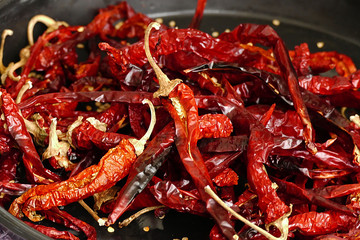 paprika dried as a whole, whole dried red pepper, Large pieces of dried peppers,