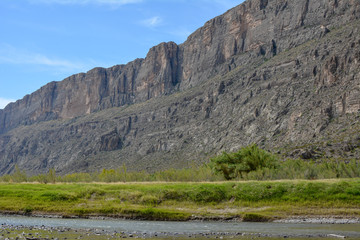 Cliff in the Chisos mountains running along the U.S. and Mexico border