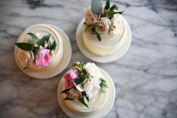 Petit gateaux with floral decoration