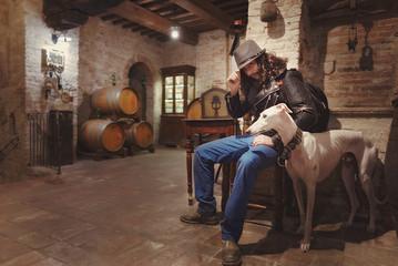 Cowboy Italiano con Cane Enoteca Vino