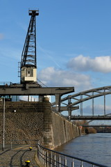 Fond de hotte en verre imprimé Port Alte Hafenkräne in Frankfurt am Main