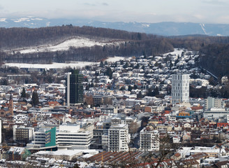Blick auf Lörrach vom Tüllinger Berg im Winter