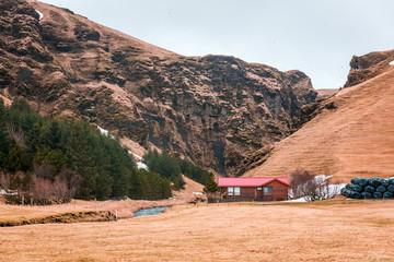 Kleines typisches Häuschen in Island