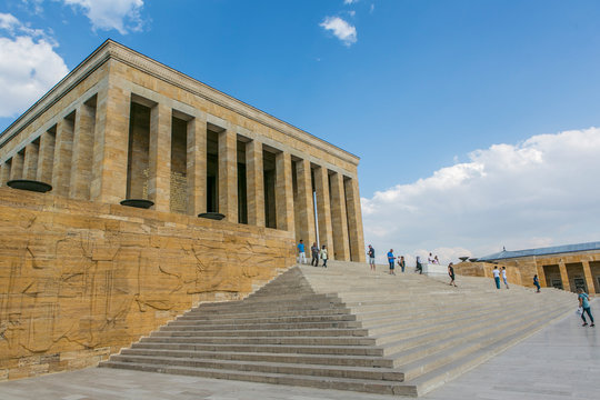 El Mausoleo de Atatürk en Ankara