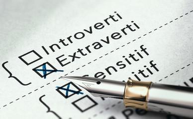 Résultats de test de caractère, évaluation psychologique . Personne extravertie