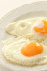 sunny side up fried egg