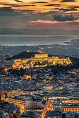 Fototapete - Der beleuchtete Parthenon Tempel der Akropolis von Athen, Griechenland, nach Sonnenuntergang am Abend