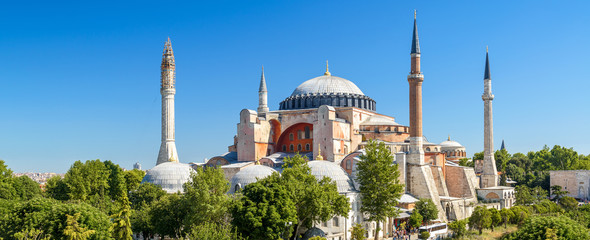 Fototapete - Panoramic view of the Hagia Sophia in summer, Istanbul, Turkey
