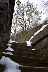 Bruchsteintreppe im Schnee