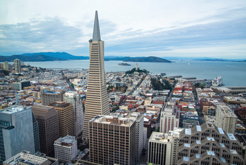 Fototapete - Beautiful view of business center in downtown San Francisco