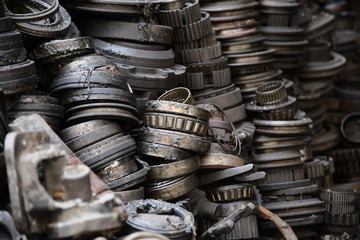 Auto recycles parts