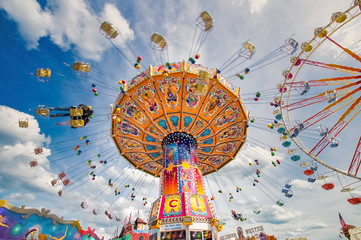 Foto op Plexiglas Carnaval Spaß im Karussell