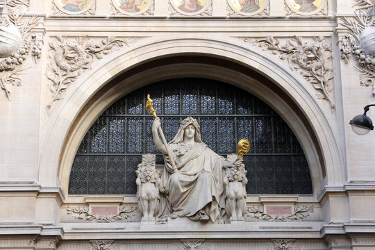 Statue of prudence on the BNP building in Paris