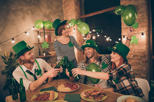 WIsh you happy st paddy day concept company gathered costume party beer food eat weekend rest relax friends guys ladies couples pairs brothers sisters family buddies tradition culture together