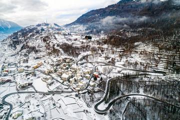 Valtellina (IT) - Sondrio - Frazione Sant'Anna e Triangia - Vista aerea invernale