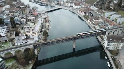 Schaffhausen Eiffel-Brücke mit Zug