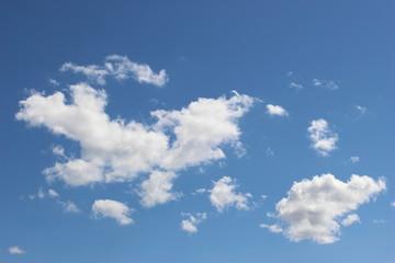Nuages dans le ciel (cumulus) 4
