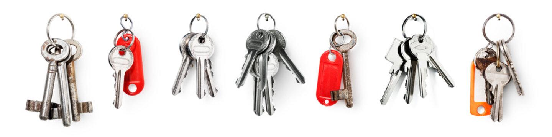 Keys on ring banner set
