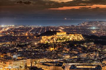 Fototapete - Die Skyline von Athen, Griechenland, am Abend nach Sonnenuntergang mit der Akropolis im Zentrum