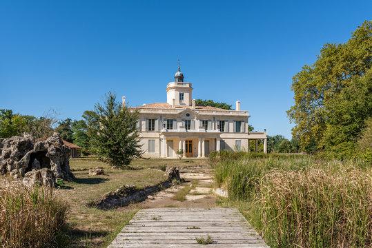 AUDENGE (Bassin d'Arcachon, France), le château du parc public du domaine de Certes