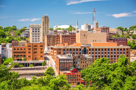 Lynchburg, Virginia, USA downtown skyline