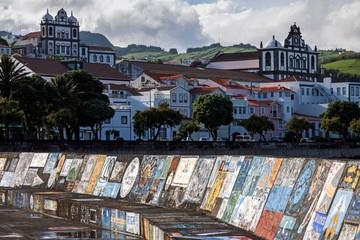Harbour wall painted by sailors, harbor, marina, behind left Igreja de Nossa Senhora do Carmo, behind right Igreja Matriz, Horta, island Faial, Azores, Portugal, Europe