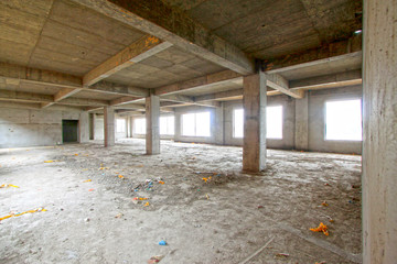 unfinished concrete cast-in-situ hall